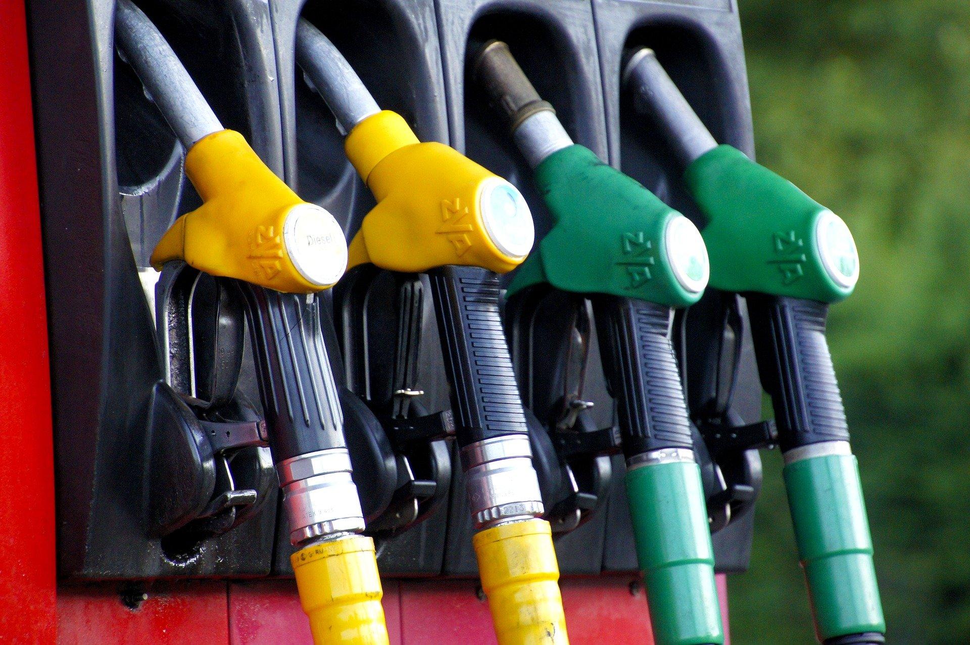 Pixabay – Fuel Station II
