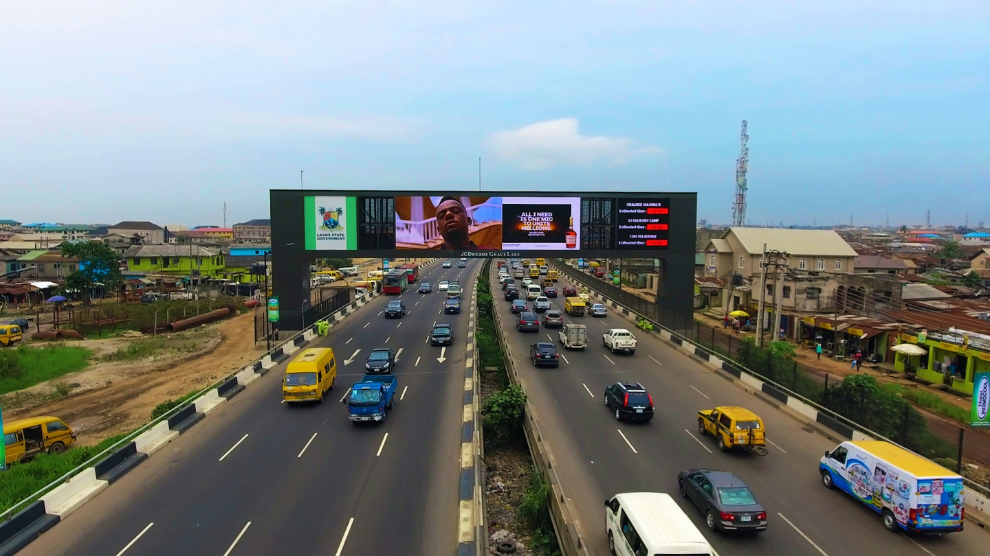 JCDecaux – Outdoor Advertising